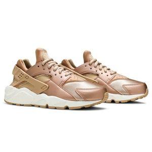 Best 25 Deals for Rose Gold Huaraches Nike   Poshmark